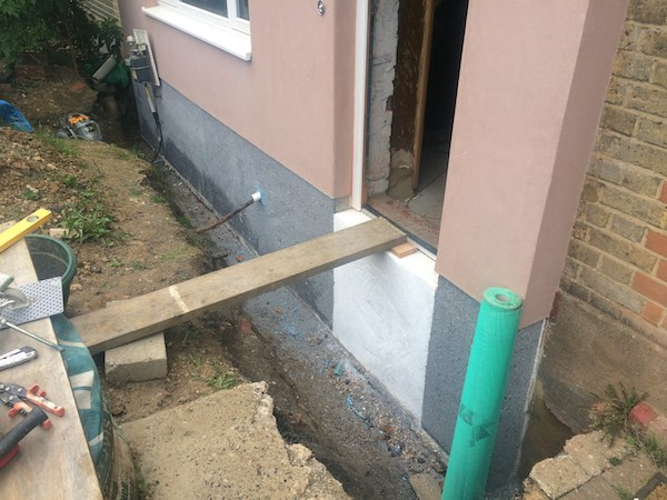 insulation-down-to-footing.jpg