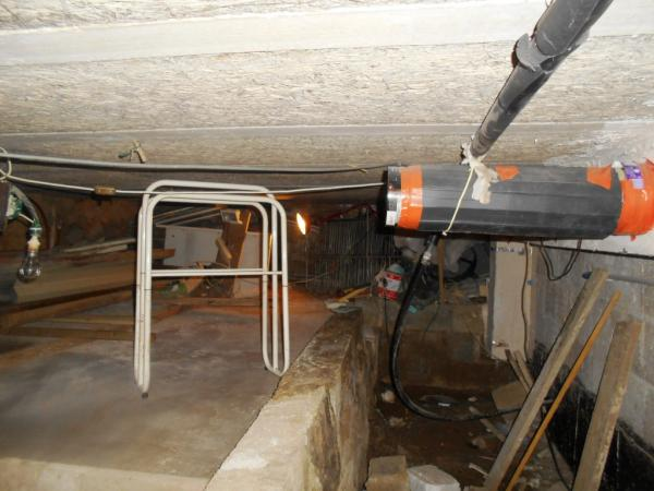 crawlspace general view.jpg